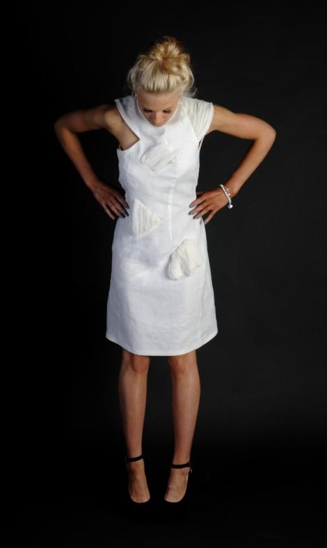 Linda Row_We are textiles_Chalk white_low
