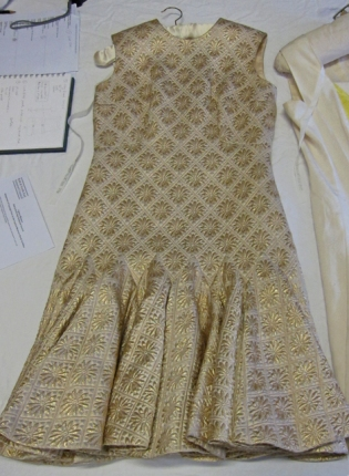 BATMC I.09.396, Debebnham & Freebody, 1960 - 1969, silk synthetic, woven (brocade) quilted. Amazingly heavy dress with beautiful godets in the skirt.