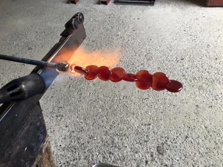 Anna Glasbrook hot glass sculpture seam - 2.jpg