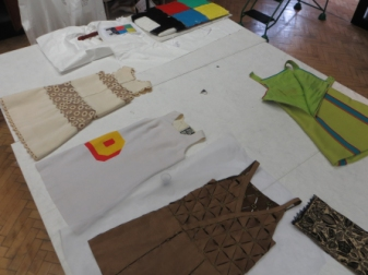 V and cloth work